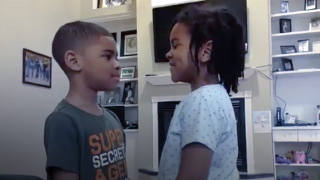 Girl Teaches Brother Bible Verse to Calm His Fear of Coronavirus
