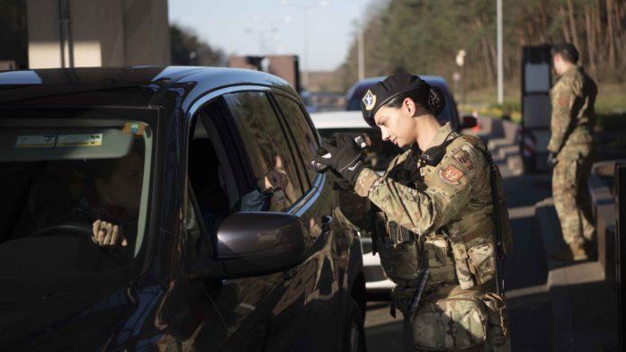 Islamic states plots against US base