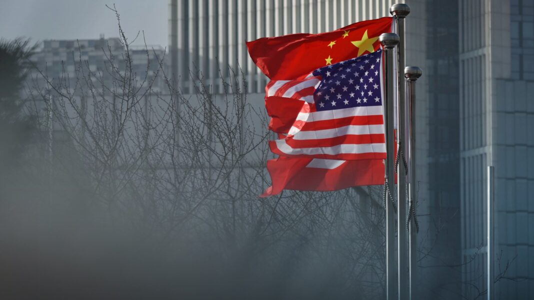 Chinese and US national flags
