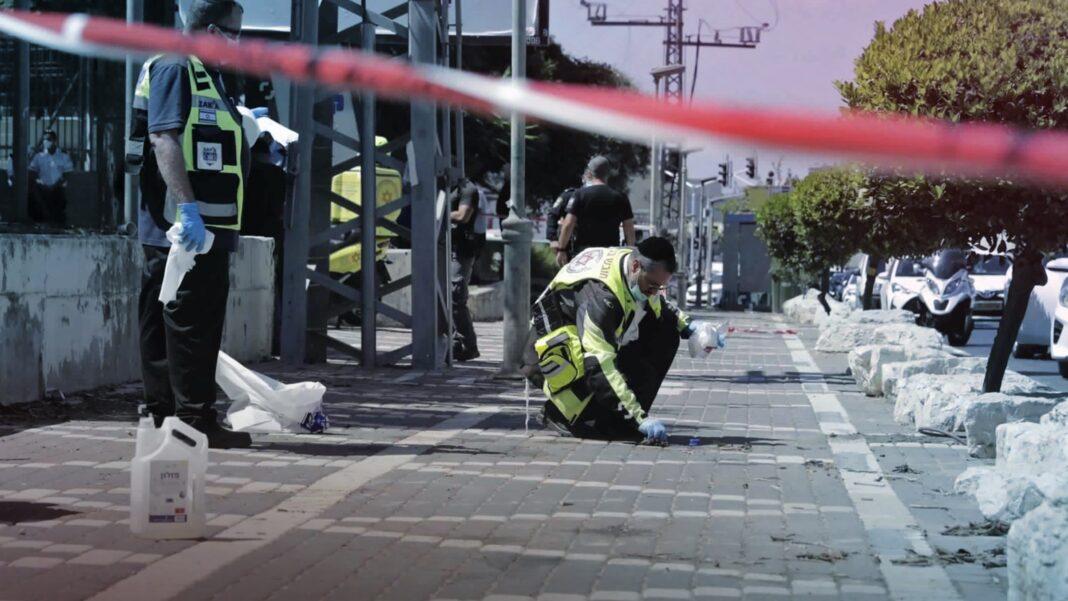 Rabbi Stabbed, Killed