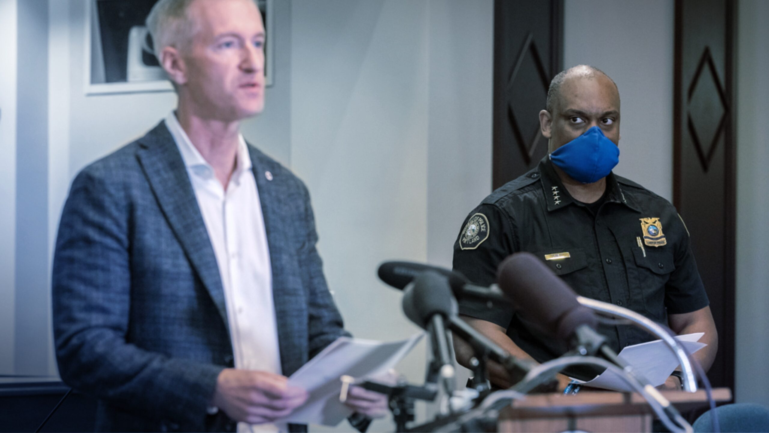 To Police Dismay, Portland Mayor Bans Police Use of Tear Gas After +100 Days of Rioting | Harbingers Daily