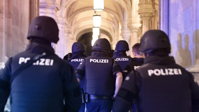 Shooting incident reported near Austrian synagogue, 7 casualties reported