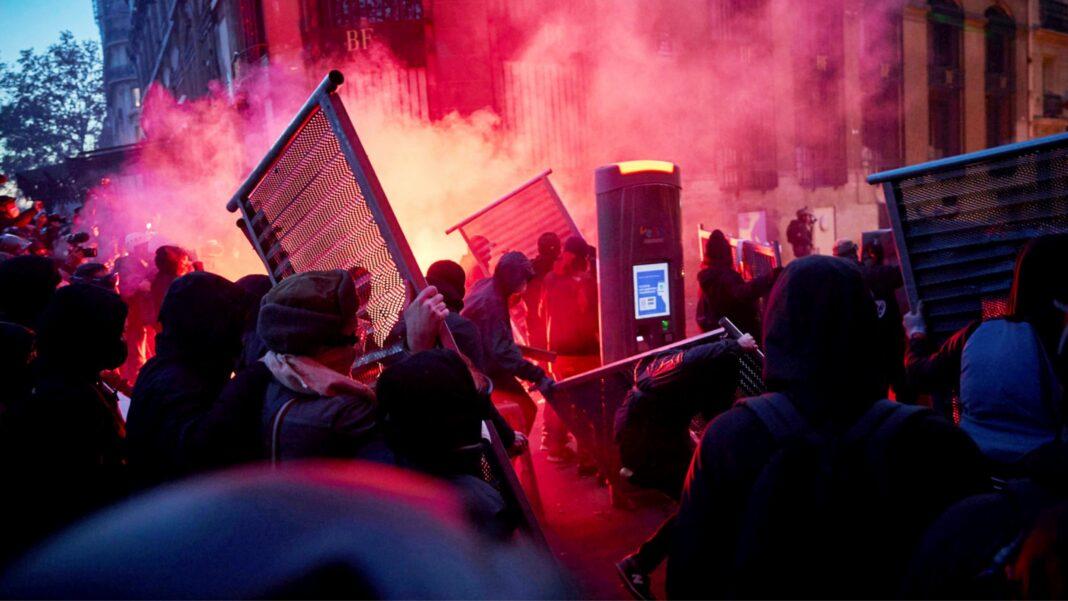 Paris rioting