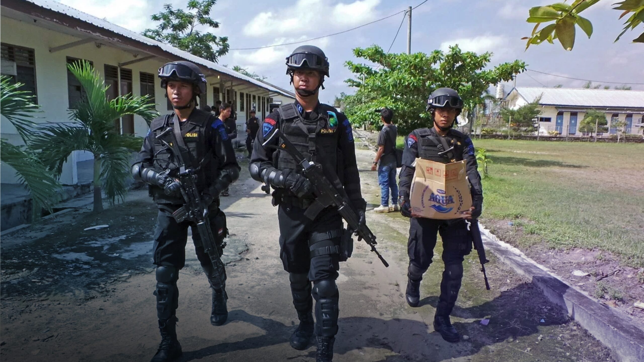 Indonesian Police Search For Likely Terrorists Suspected of Killing 4 Christians & Burning Homes   Harbingers Daily