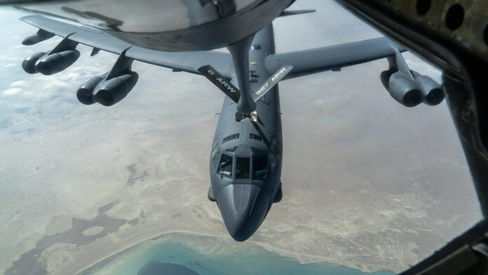 Bomber flies low over Gulf in US message to Iran